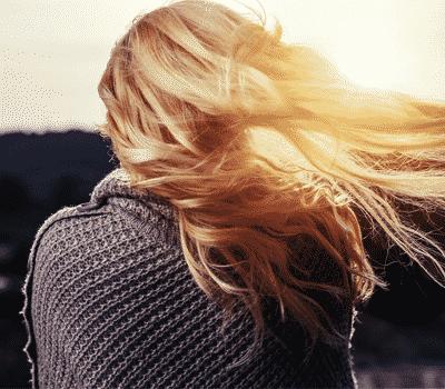 ¿Sabes cómo conseguir brillo del cabello? Apuesta por la técnica de West Hollywood