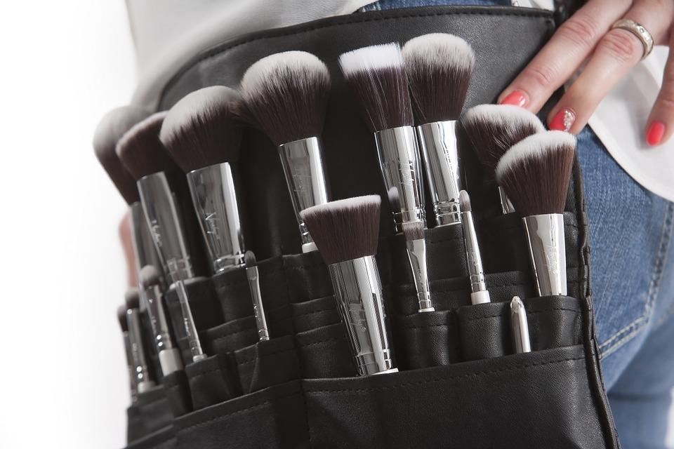 Profesionales del maquillaje en un solo clic