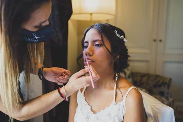 ¿Cuáles son las nuevas tendencias de Peinados y Maquillaje de Novia en 2021?